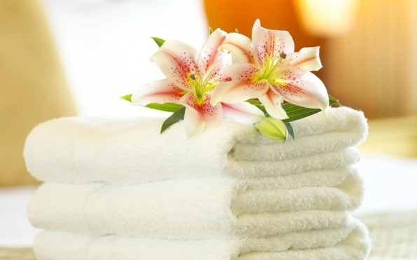 relaxing-spa-towel-and-orchid-1680x1050